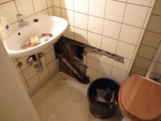 Lekkage in de badkamer